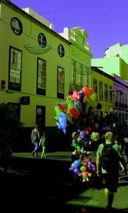 Colores - C/ Carrera, esquina C/ San Juan - Yzac